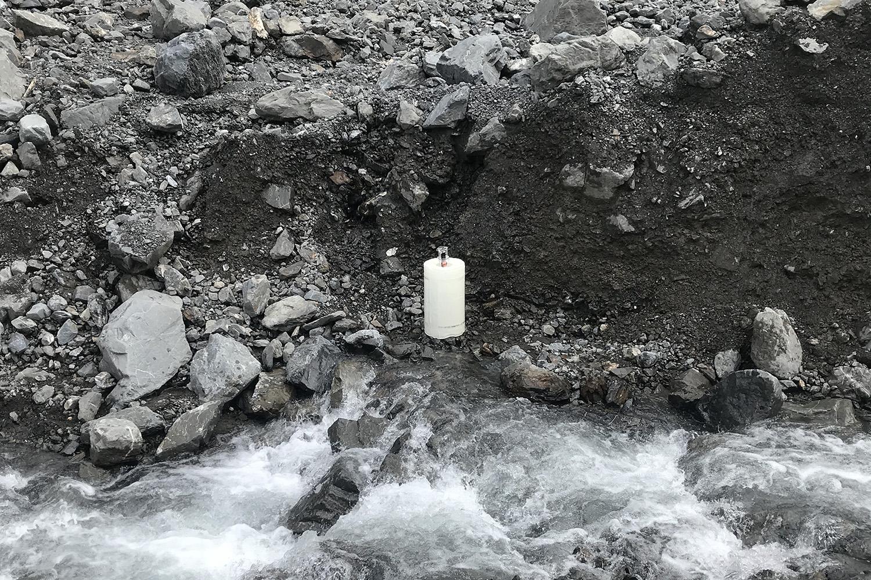 七面山東側斜面における土砂崩れIoT観測装置設置に同行しました